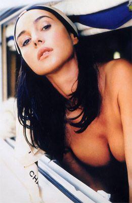 Monica Bellucci - 35